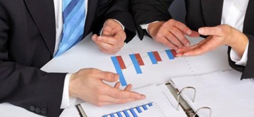 Организации инфраструктуры поддержки предпринимательства представили свои проекты на конкурс. Комиссия выбрала шесть проектов на общую сумму 2,7 млн рублей