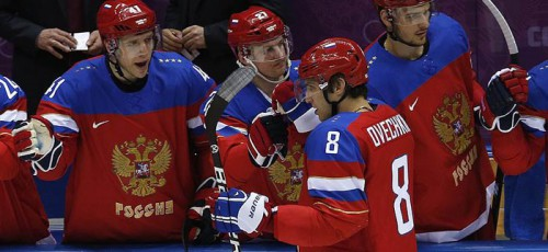 Мужская и женская сборные по хоккею показывают отличные результаты на Олимпиаде в Сочи