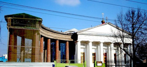 Ситуация с самовольным захватом территории Спасского храма до сих пор не решена