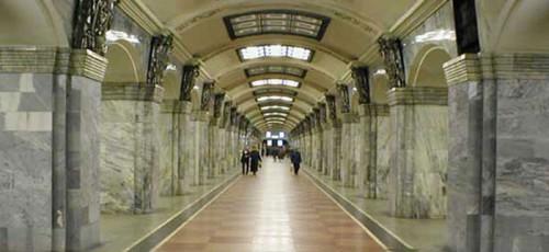 «Билайн» модернизирует сеть в метро Санкт-Петербурга