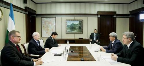 Башкирский мед повезут в Киргизию: в Уфе обсудили перспективы промышленного и торгово-экономического сотрудничества