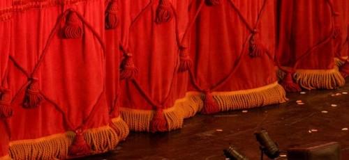 Знаменитости – детям и зрителям. Как проходит подготовка к спектаклю «Не может быть»?