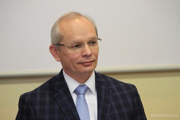 Рустэм Хамитов провел совещание руководства Башкирии