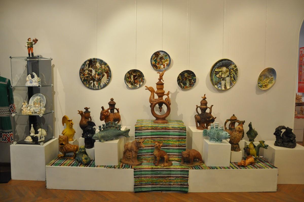 Впервые в Уфе с 8 июня по 2 июля в Уфимской художественной галерее пройдет выставка «Молодые дарования» всероссийского смотра конкурса в области декоративно прикладного и народного искусства
