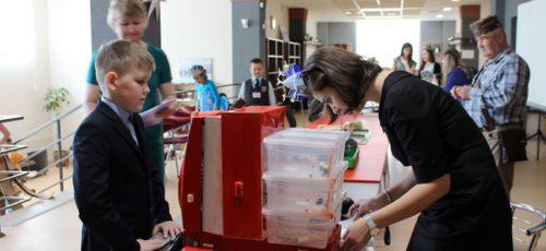 Робот-эколог, фильтр очистки выхлопных газов и настольная лампа с беспроводной зарядкой телефона. Юные изобретатели из Башкирии победили во всероссийском конкурсе «Ш.У.СТР.И.К»