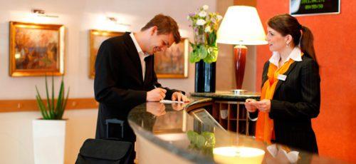 Летом увеличилось число вакансий в сфере туризма, гостиничного и ресторанного бизнеса
