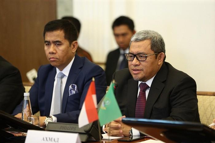 Хамитов объявил , что Башкирия готова поставлять мед вИндонезию вертолетами