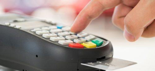 Эксперты ведущих банков рассказали о том, почему в республике на 30% увеличилось количество безналичных операций