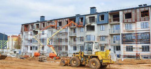 Госкомстрой республики считает нормальной практикой появление на строительном рынке Башкирии иногородних компаний
