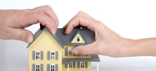 Госдума приняла в первом чтении законопроект об ограничении регистрации в квартирах третьих лиц