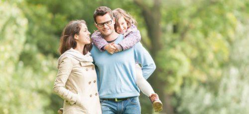 Группа ученых из Университета Уэйна определила, что целоваться родителям при детях полезно