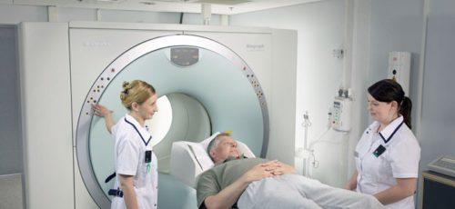 У людей, которые часто испытывают сонливость в течение дня, выявили трехкратное увеличение риска появления болезни Альцгеймера