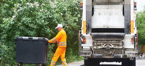 Власти пока не договорились с региональными операторами о тарифах на вывоз мусора