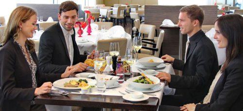 Деловой этикет: в ресторане с партнером