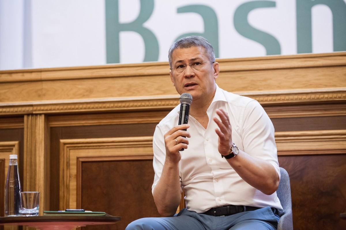 Радий Хабиров на «Digital в Курултае»: «Интернет – это взбаламученная вода»